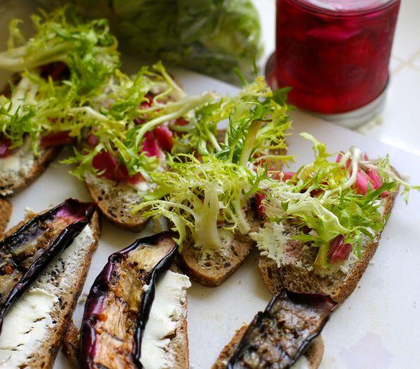 veggie sandwich construction
